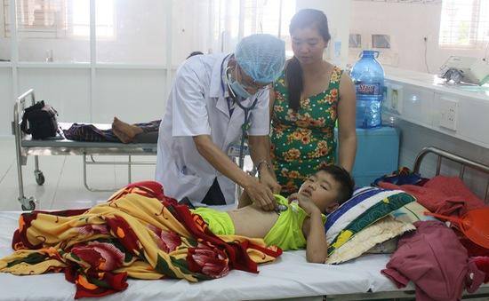 Gia Lai: Cấp cứu thành công bệnh nhi sốt xuất huyết nguy kịch