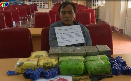 Nghệ An: Bắt đối tượng vận chuyển số lượng lớn ma túy