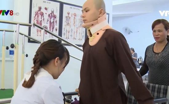 Thành công từ ca mổ hiếm giúp bệnh nhân khỏi liệt