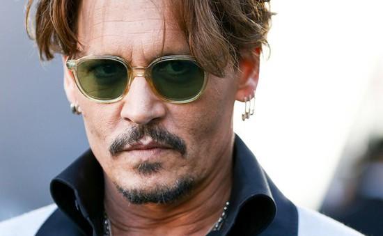 Hậu ly hôn, Johnny Depp rơi vào khủng hoảng