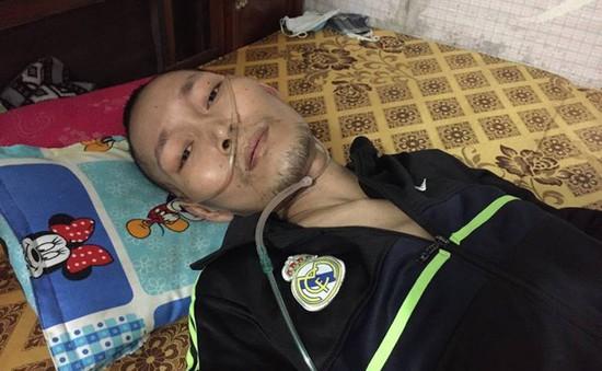 Bị xẹp phổi, chàng trai trẻ chấp nhận chết vì không còn tiền đi bệnh viện