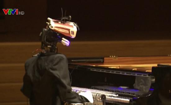 Cuộc tỷ thí piano bất phân thắng bại giữa nghệ sĩ và robot