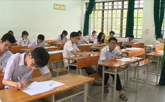 Hà Nội công bố điểm chuẩn vào lớp 10 chuyên năm học 2018 - 2019