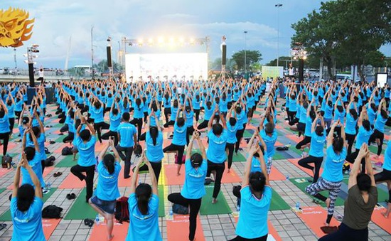 Vẫn tổ chức đồng diễn trong Ngày Quốc tế Yoga lần thứ 6 tại Việt Nam