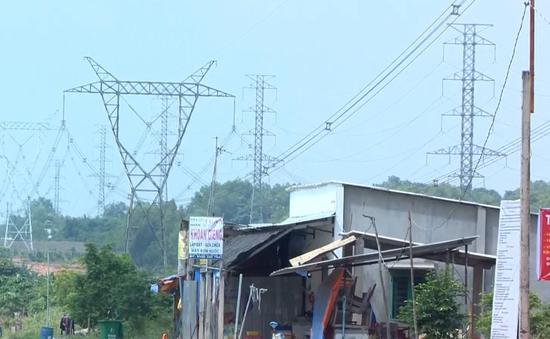 Tháo dỡ nhiều công trình xây dựng dưới đường điện 500kV