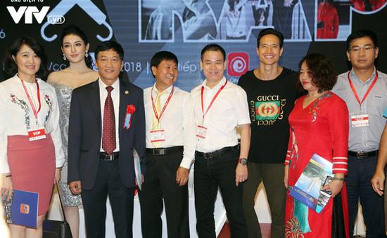 Đông đảo khách tham quan đến với ngày đầu triển lãm Telefilm 2018