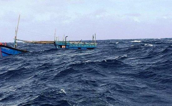Cứu nạn 31 thuyền viên bị chìm tàu gần Trường Sa