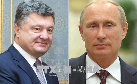 Tổng thống Nga và Ukraine điện đàm về trao đổi tù nhân