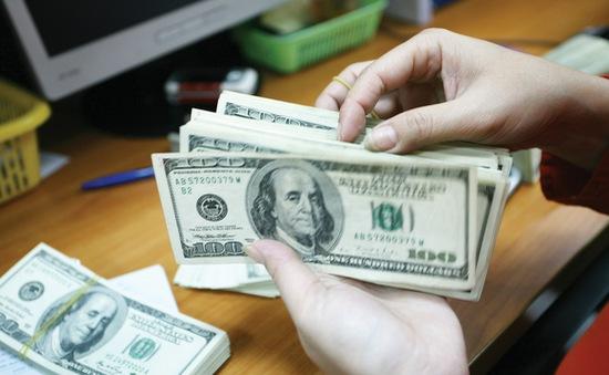 Lãi suất USD liên ngân hàng ngắn hạn cao gấp đôi lãi suất VND