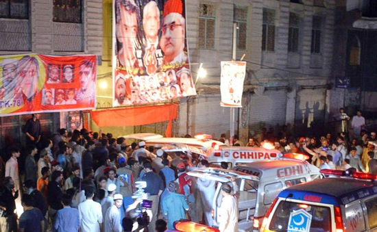 Đánh bom liều chết tại Pakistan, ít nhất 12 người thiệt mạng
