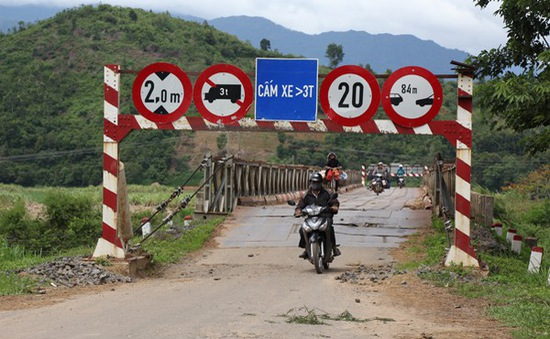 Đắk Lắk: Cầu gãy hai năm chưa xây lại mới
