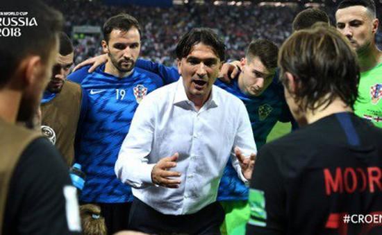HLV Croatia tiết lộ vì sao không thay người suốt 90 phút chính thức