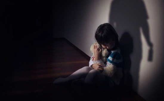 Chấn thương tâm lý hồi nhỏ có thể kéo dài nhiều thế hệ