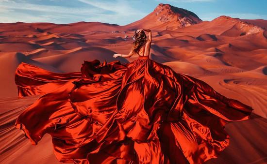 Du lịch khắp thế giới với những chiếc đầm sang chảnh