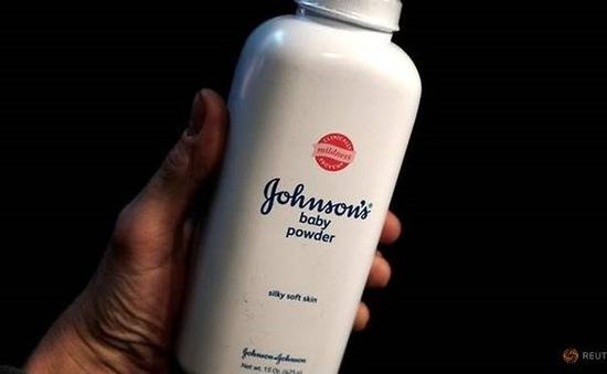 Johnson & Johnson bị phạt do sản phẩm chứa chất gây ung thư