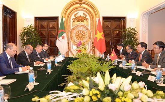 Tăng cường quan hệ hữu nghị truyền thống Việt Nam - Algeria