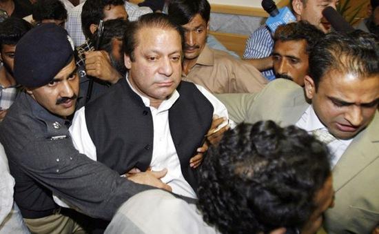 Cựu Thủ tướng Pakistan Nawaz Sharif  bị bắt giữ