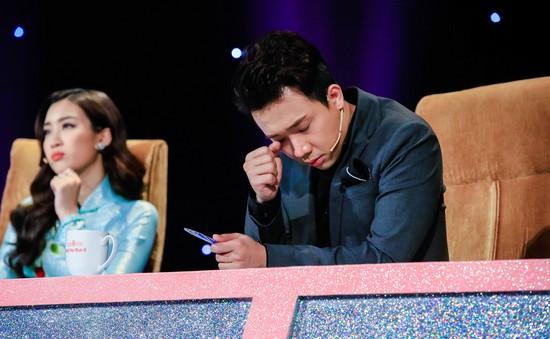 Trấn Thành rơi lệ trước hành động của thí sinh Hoa hậu Việt Nam 2018