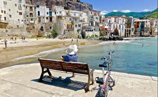 Italy trải qua đợt nắng nóng đầu tiên trong năm 2018