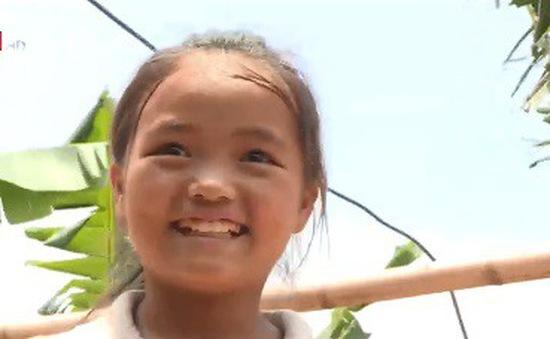 Cặp lá yêu thương: Nụ cười trẻ thơ