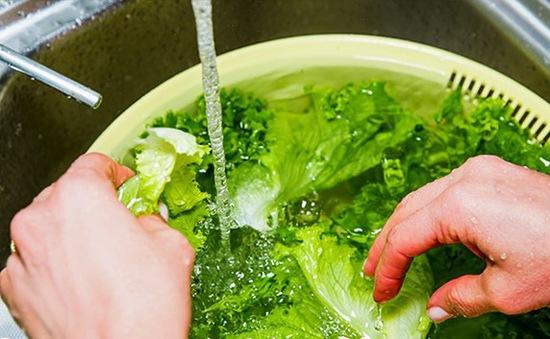 Rửa rau hàng ngày nhưng bạn đã làm đúng cách?