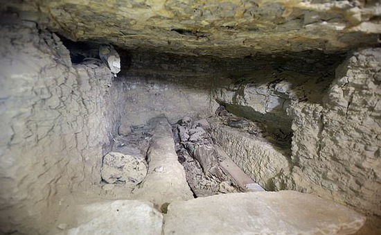 Phát hiện xưởng ướp xác niên đại 2.500 năm tuổi ở Ai Cập
