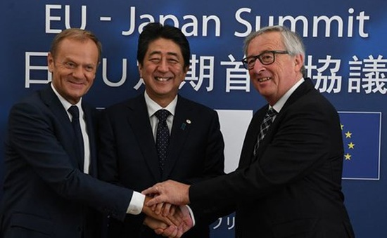 Châu Á và châu Âu quyết tâm chống chủ nghĩa bảo hộ thương mại