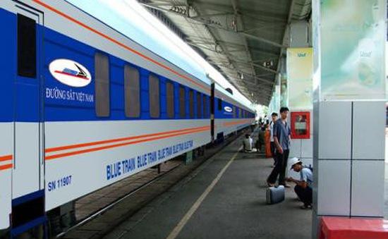 Ngừng chạy nhiều đoàn tàu tuyến Hà Nội - Lào Cai do mưa lũ