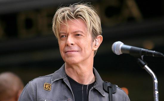 Tìm thấy bản thu đầu tiên của huyền thoại âm nhạc David Bowie trong… giỏ bánh mì
