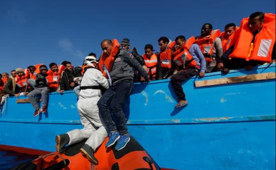 Tây Ban Nha cứu gần 500 người di cư chỉ trong một ngày