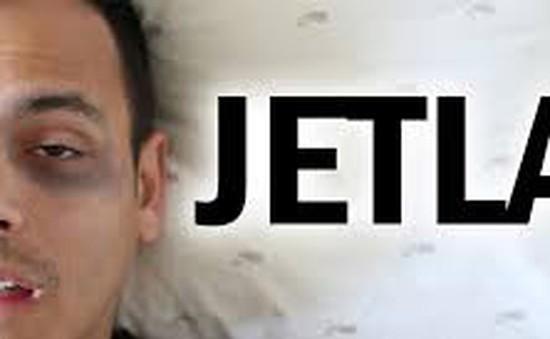Jet lag ảnh hưởng đến sức khỏe nhiều hơn biểu hiện rối loạn giấc ngủ