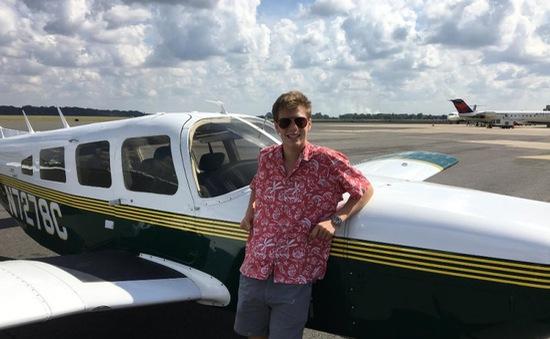 Cậu bé tuổi teen trở thành phi công trẻ nhất thế giới