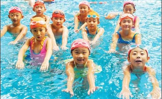 Hỗ trợ kinh phí học bơi giúp phổ cập bơi, giảm đuối nước