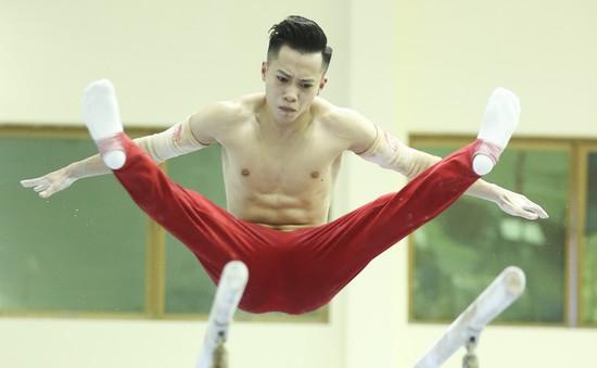 """Những """"nam thần"""" TDDC Việt Nam khẩn trương tập luyện cho ASIAD 18"""