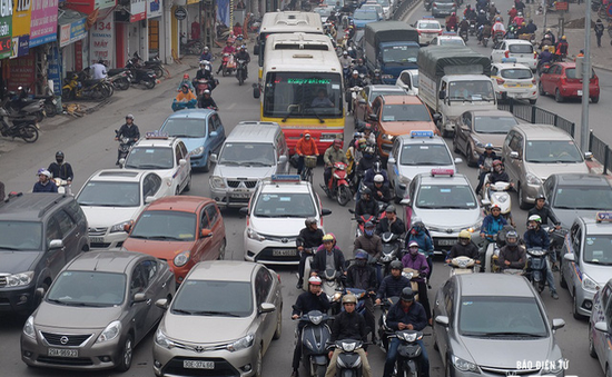 Hà Nội siết chặt kỷ cương đảm bảo an toàn giao thông cuối năm
