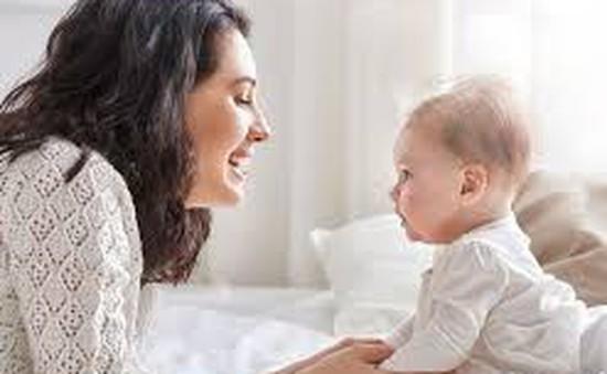Tại sao cơ thể của mẹ giữ một số tế bào của em bé sau khi sinh?