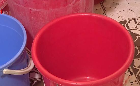 Hà Nội: Người dân khổ sở vì mất nước sạch giữa cao điểm nắng nóng