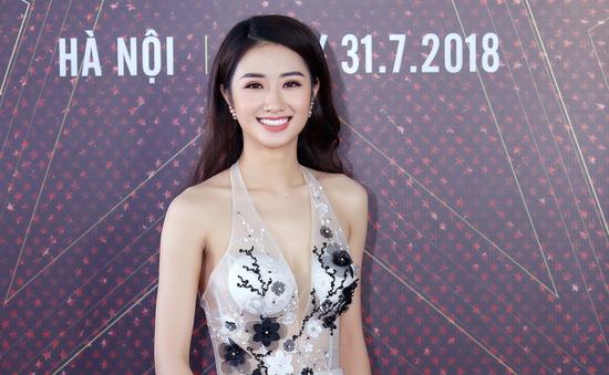 """Hoa hậu bản sắc Việt Thu Ngân đẹp hút hồn tại Lễ ra mắt dự án """"Ngôi sao danh vọng"""""""