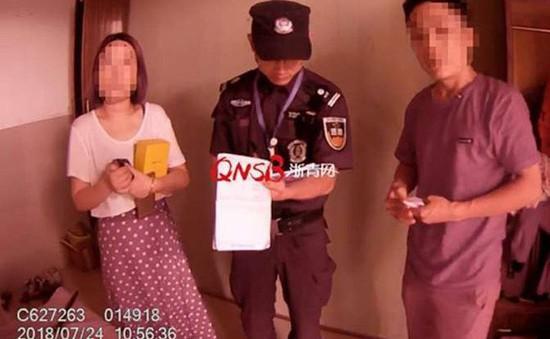 Trốn việc chơi game, chồng bị vợ báo cảnh sát vì nhầm là kẻ trộm