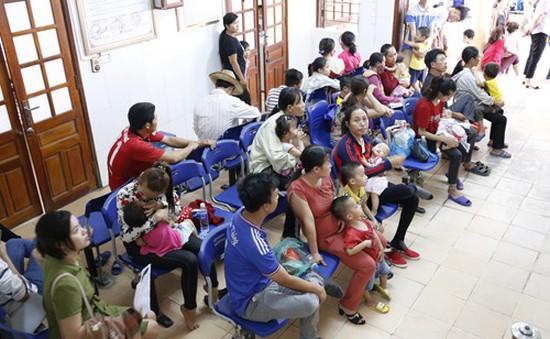 Nghệ An: Nắng nóng, nhiều người già, trẻ nhỏ phải nhập viện