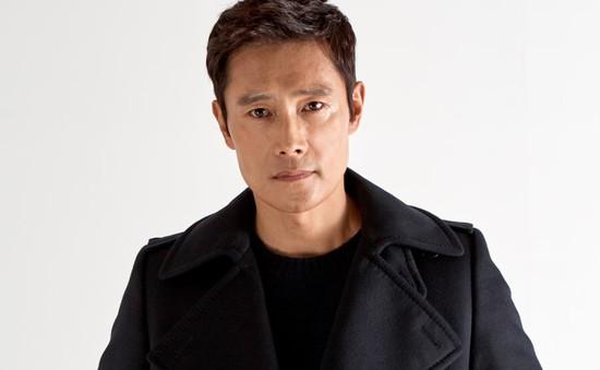 Lee Byung Hun dính loạt tin đồn nhận cát-xê tiền tỷ cho mỗi tập phim