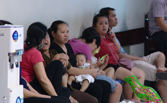 Nhiều trẻ nhập viện do nắng nóng