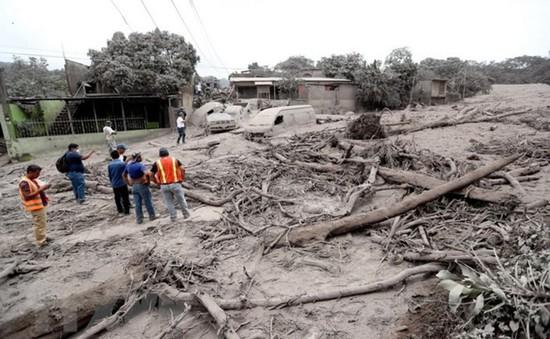 Hơn 330 người mất tích sau khi núi lửa Fuego phun trào
