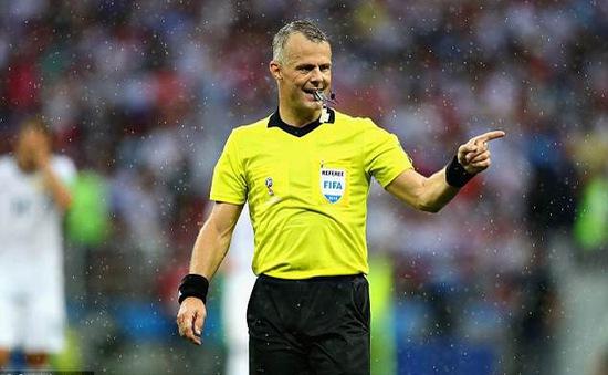 Trọng tài bắt trận Anh – Thụy Điển báo điềm lành cho Tam sư?