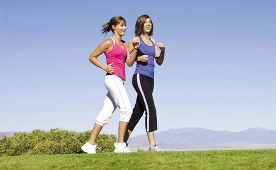 Đi bộ 100 bước mỗi phút để giảm cân