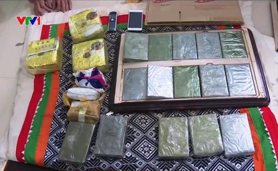 Sơn La: Bắt 2 đối tượng tàng trữ số lượng lớn ma túy
