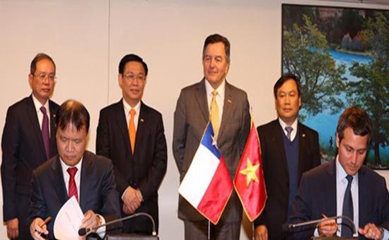 Phó Thủ tướng Vương Đình Huệ hội kiến các nhà lãnh đạo Chile