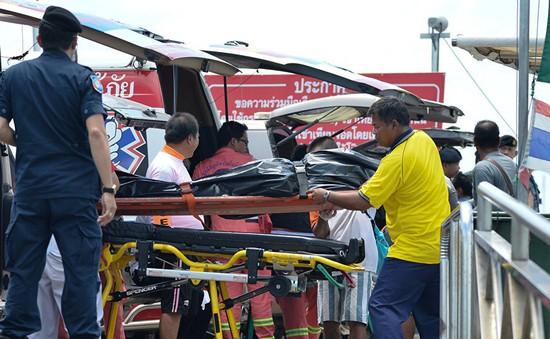 Vụ lật tàu ở Phuket, Thái Lan: Đã tìm thấy 40 thi thể hành khách
