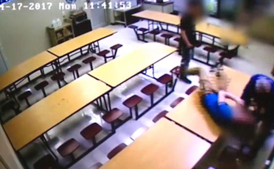 Giáo viên bạo hành học sinh ở Mỹ