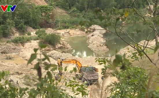 Tiếp diễn khai thác cát trái phép trên sông tại Khánh Vĩnh
